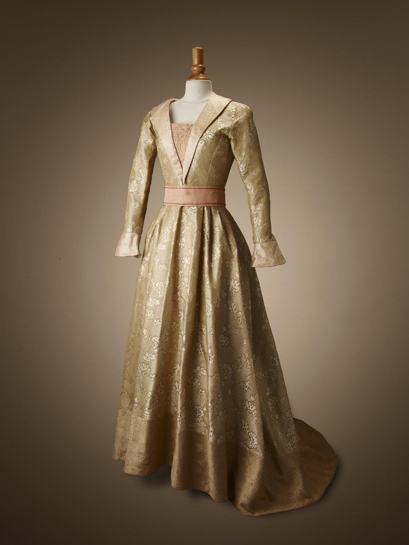 Moyen Age Robe Xve Motif Floral La Compagnie Du Costume